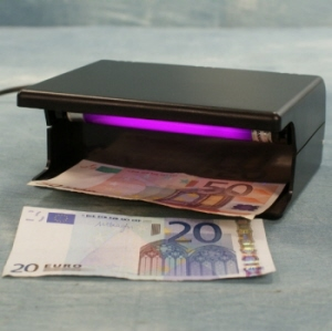 Ultra violet bankbiljet checker